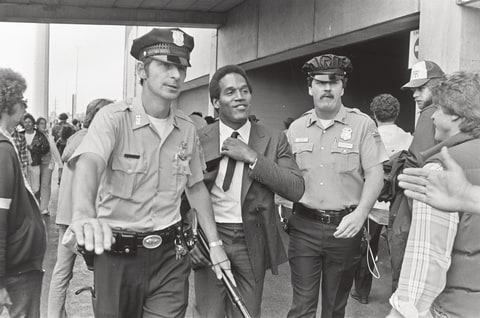 OJ Simpson Trial Walks Police Escort Murder Trial Nicole