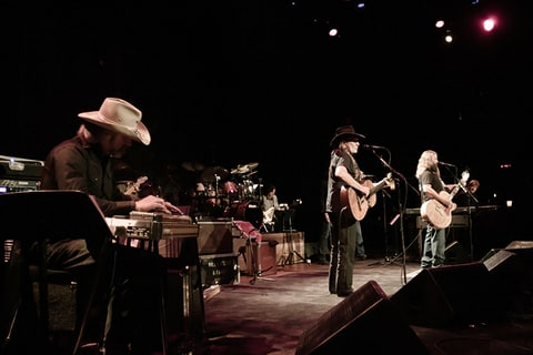 willie nelson jamey johnson ryman
