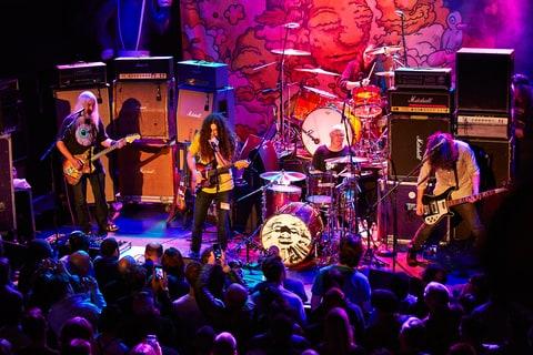 J Mascis, Kurt Vile Talk Guitar Lore, Favorite Dinosaur Jr. Albums news