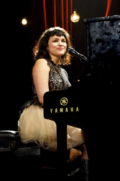norah jones, norah jones interview, norah jones profile, norah jones rolling stone, norah jones new album, norah jones family, norah jones ravi shankar, norah jones flipside, norah jones day breaks