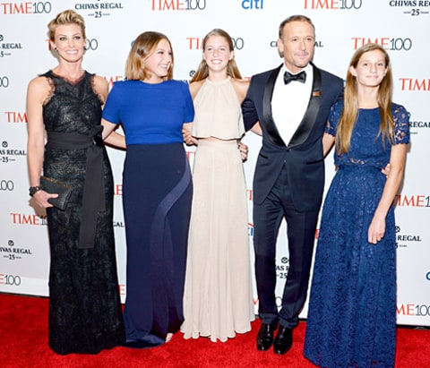 Image gallery mcgraw daughters for How old are faith hill s daughters