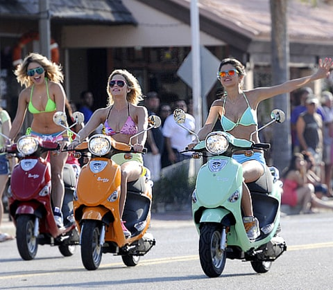 Spring Breakers mopeds