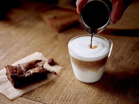 Starbucks introduces the Latte Macchiato