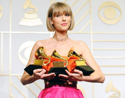 Taylor Swift at the 2016 Grammy Awards