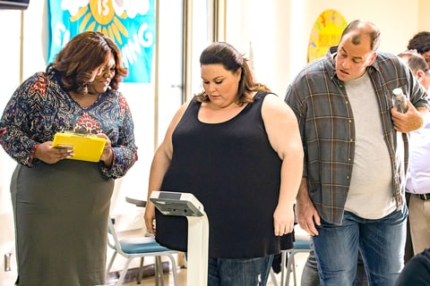 Chrissy Metz as Kate, and Chris Sullivan as Toby on This Is Us.