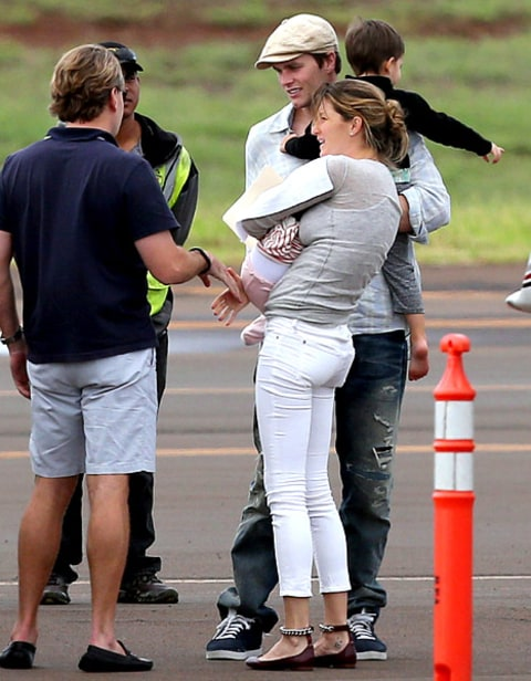 Gisele and Vivian in Hawaii