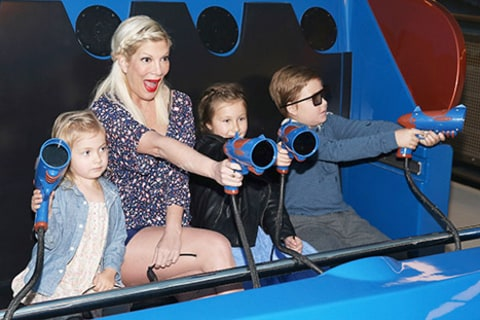 Tori Spelling with her kids