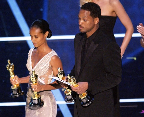 Jada Pinkett Smith and Will Smith presented the Best Special Effects Award at the Oscars in 2004