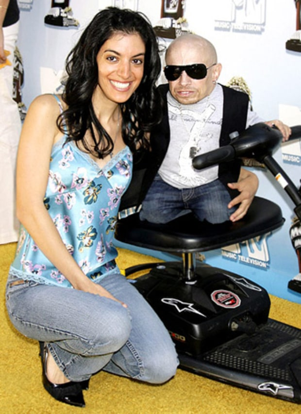 Verne Troyer And Renae Shrider