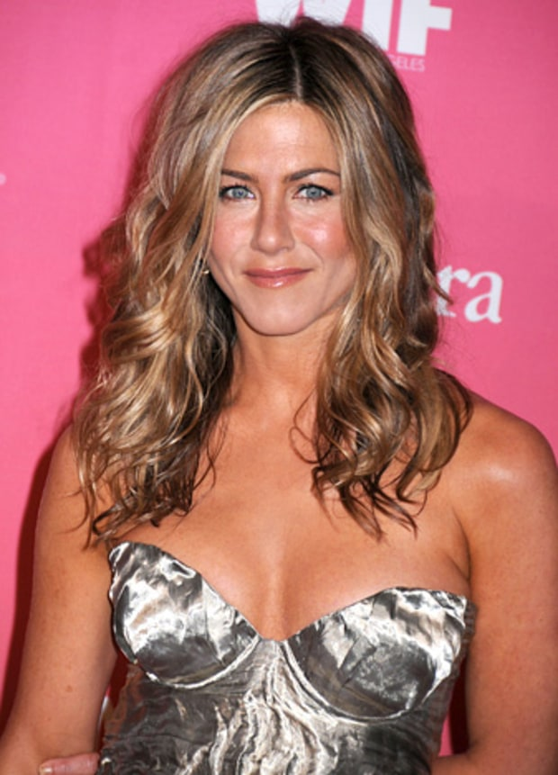 Jennifer Aniston - 40