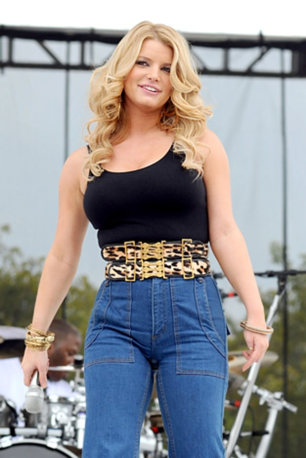 Jessica Simpson Mocked for Her Weight