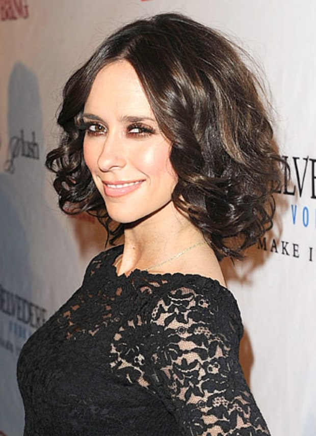 Jennifer Love Hewitt - Day-to-Night Curls