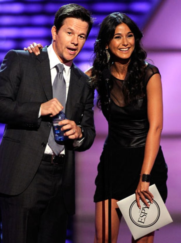 Mark Wahlberg and Emmanuelle Chriqui