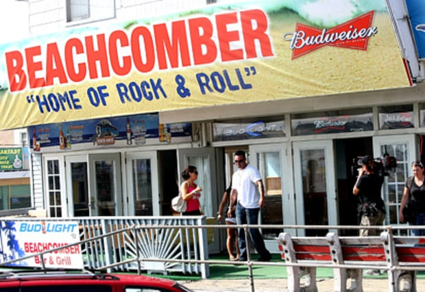 Beach Comber Bar and Restaurant