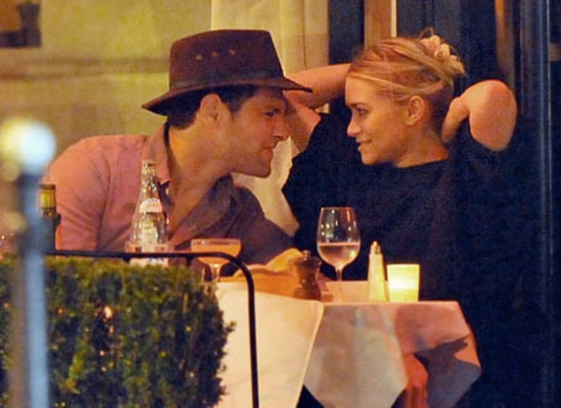 Justin Bartha & Ashley Olsen