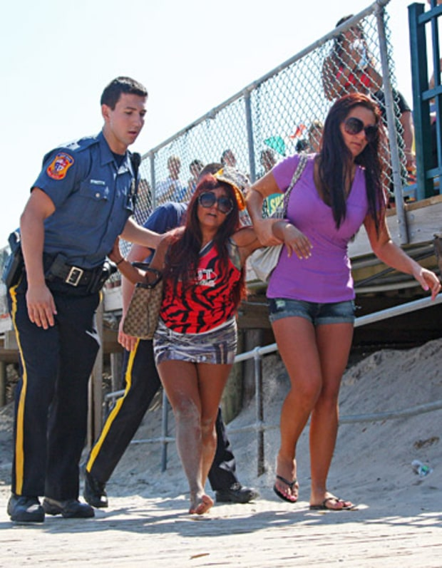 Snooki Gets Locked Up