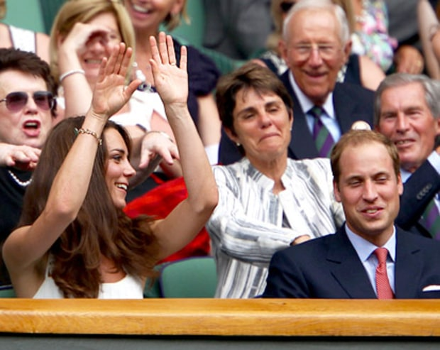 The Duchess Does the Wave!