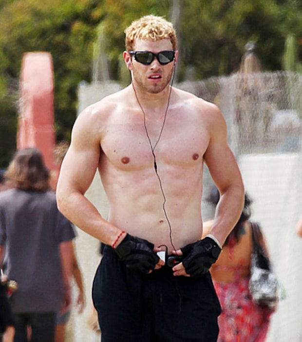 It's Kellan Lutz!