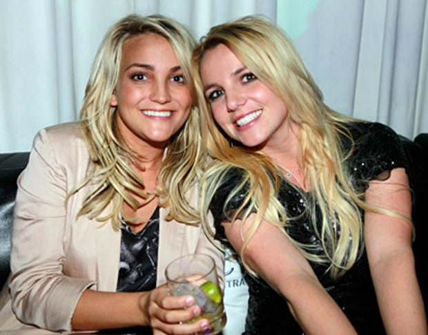 It's the Spears Sisters!