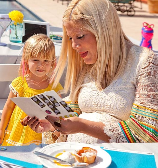 Tori Spelling and Stella