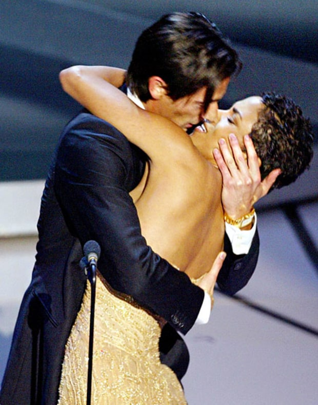 Adrien Brody Makes Out With Halle Berry, 2003