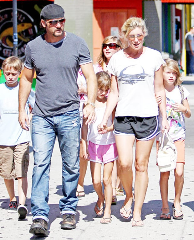 Tim mcgraw how celebrities celebrate the holidays us weekly