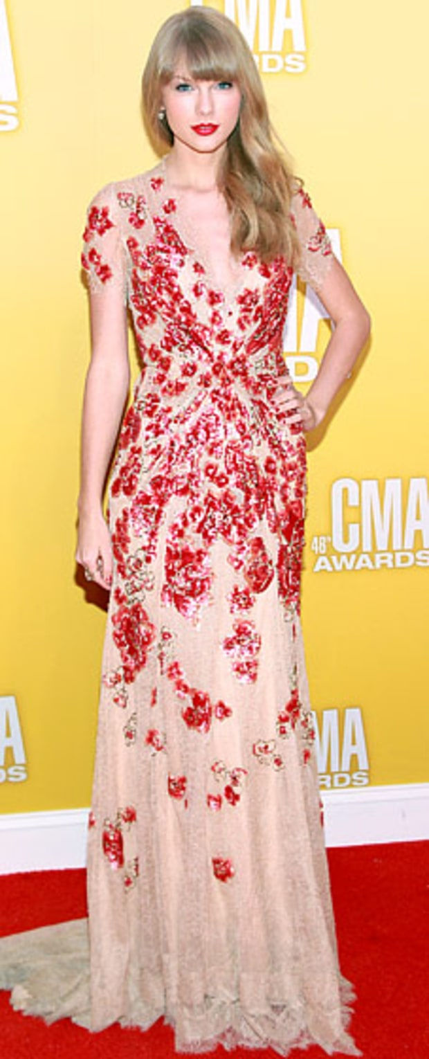 Taylor Swift: 2012 CMA Awards