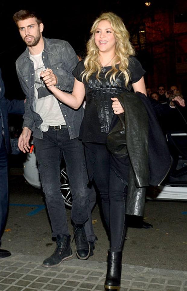 Shakira cheers on husband Gerard Pique alongside baby Milan **USA ...