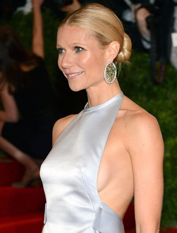 Gwyneth Paltrow | Stars Who've Flashed Sideboob on the Red ... Victoria Beckham For Target