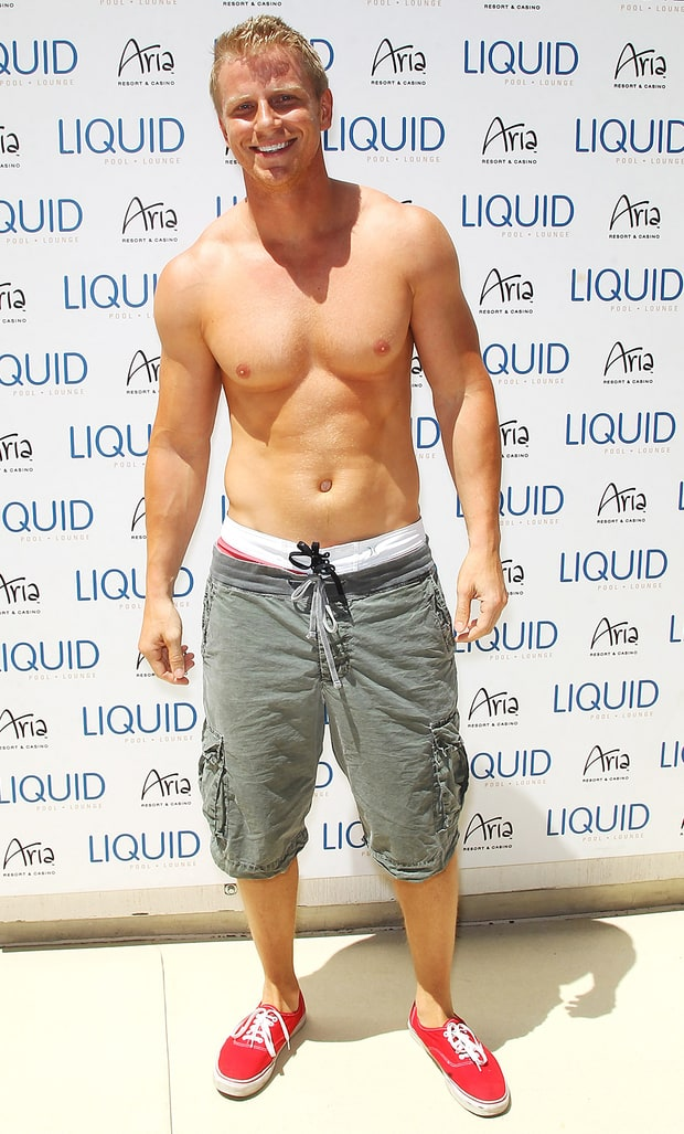 Shirtless Sean Lowe