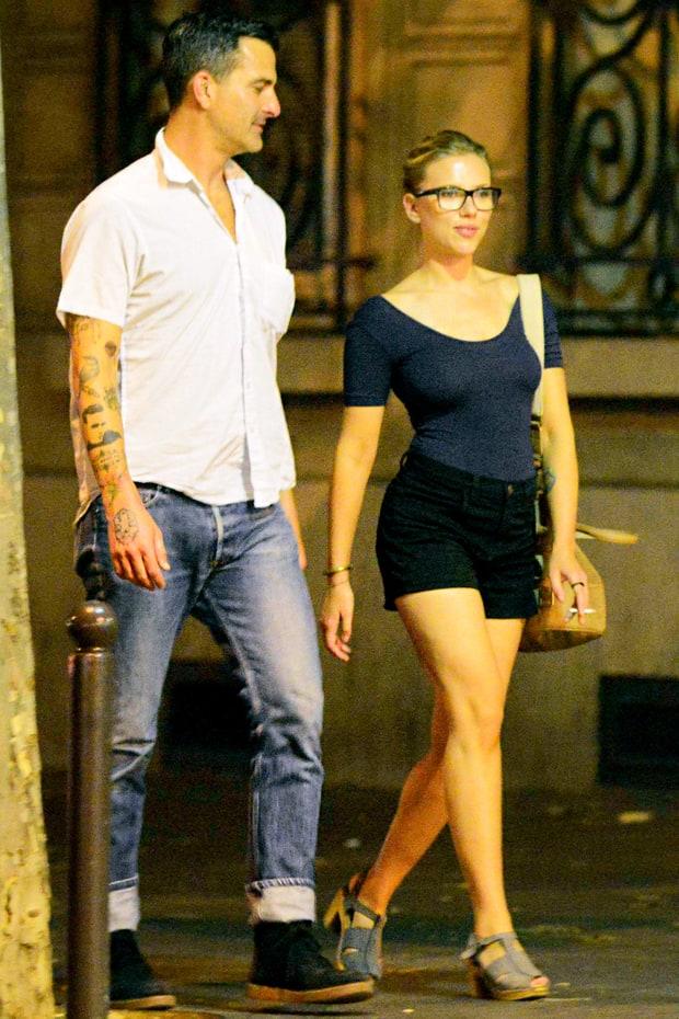 Who is, scarlett Johansson dating?