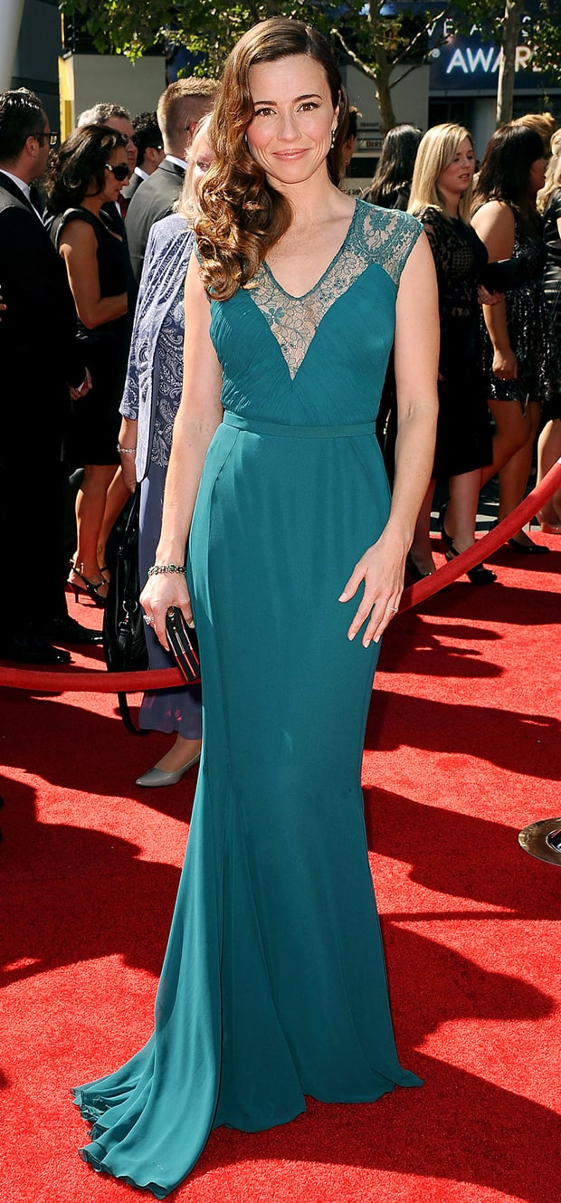 Linda Cardellini: 2013 Creative Arts Emmy Awards