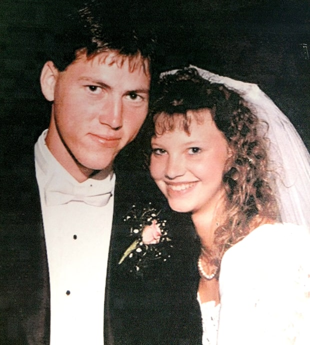 Newlyweds duck dynasty pre beard family photo album for Jase robertson before duck dynasty