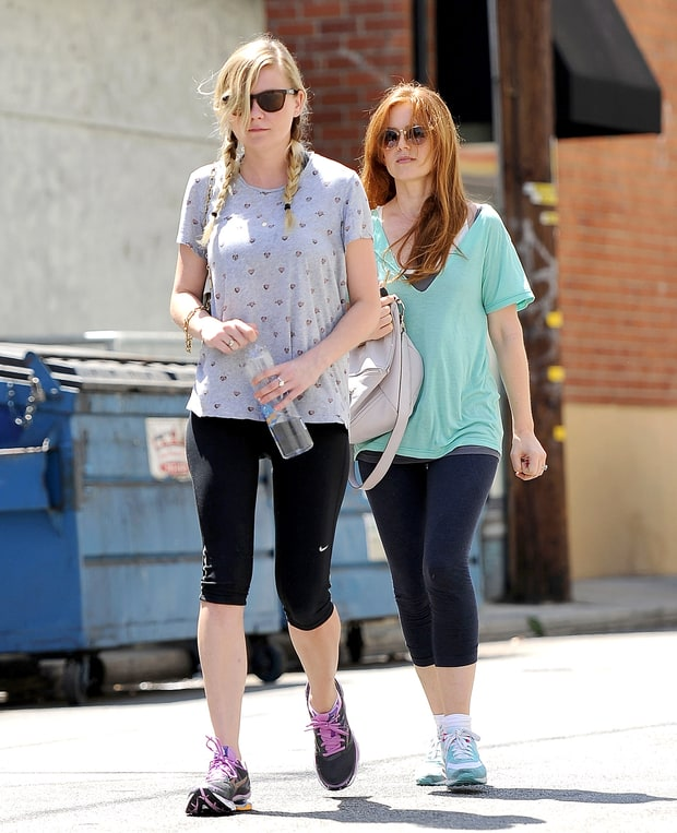 Kirsten Dunst and Isla Fisher