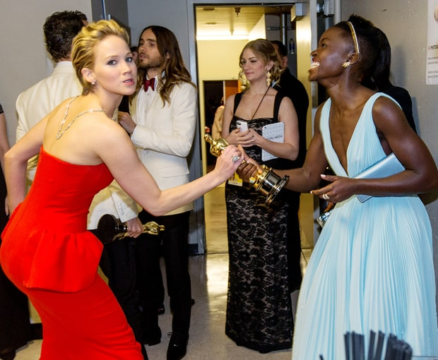 Tries to Steal Lupita's Oscar