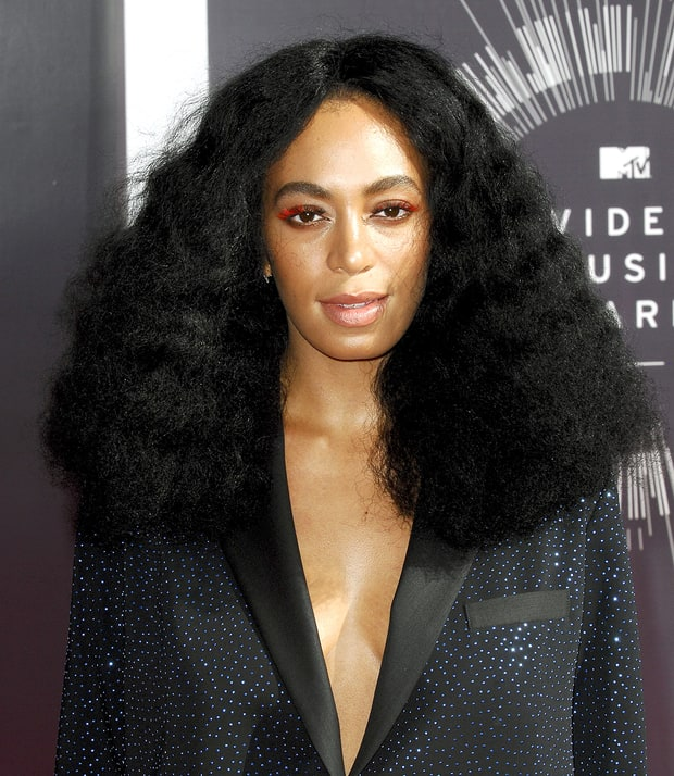 Solange Knowles' Red Eyelashes