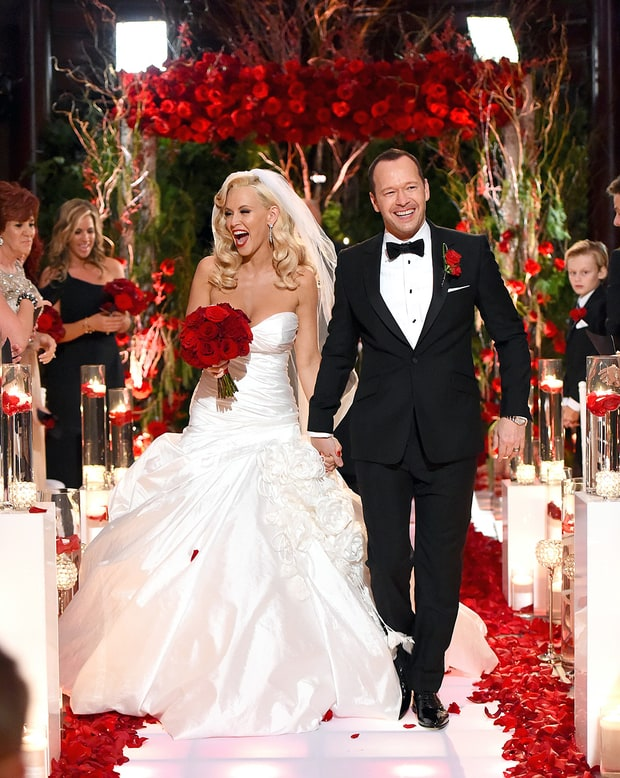 Wedding photo of happily married husband and wife: Donnie Wahlberg and Jenny McCarthy