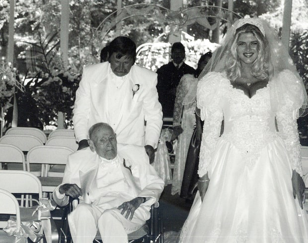 Marriage to J. Howard Marshall II | Remembering Anna ...