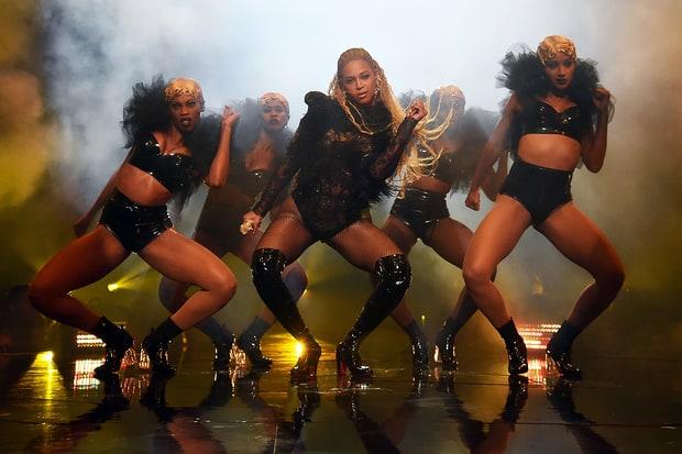 Resultado de imagem para Beyoncé vma 2016