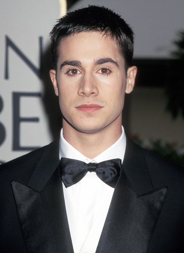 freddie prinze jr miss and mr golden globes through the years us weekly. Black Bedroom Furniture Sets. Home Design Ideas