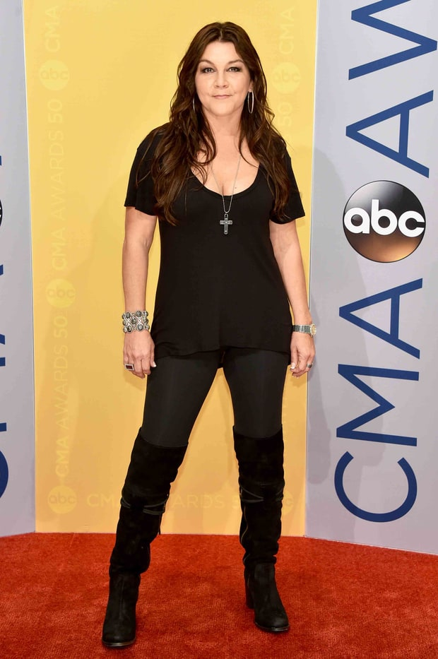 Gretchen Wilson | CMA Awards 2016 Red Carpet Fashion: What the Stars ... Beauty And The Beast Belle Pink Dress
