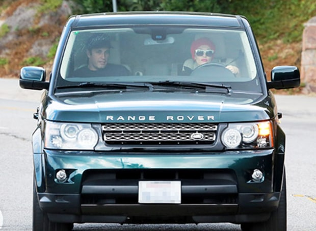 photo of Blake Shelton Range Rover - car