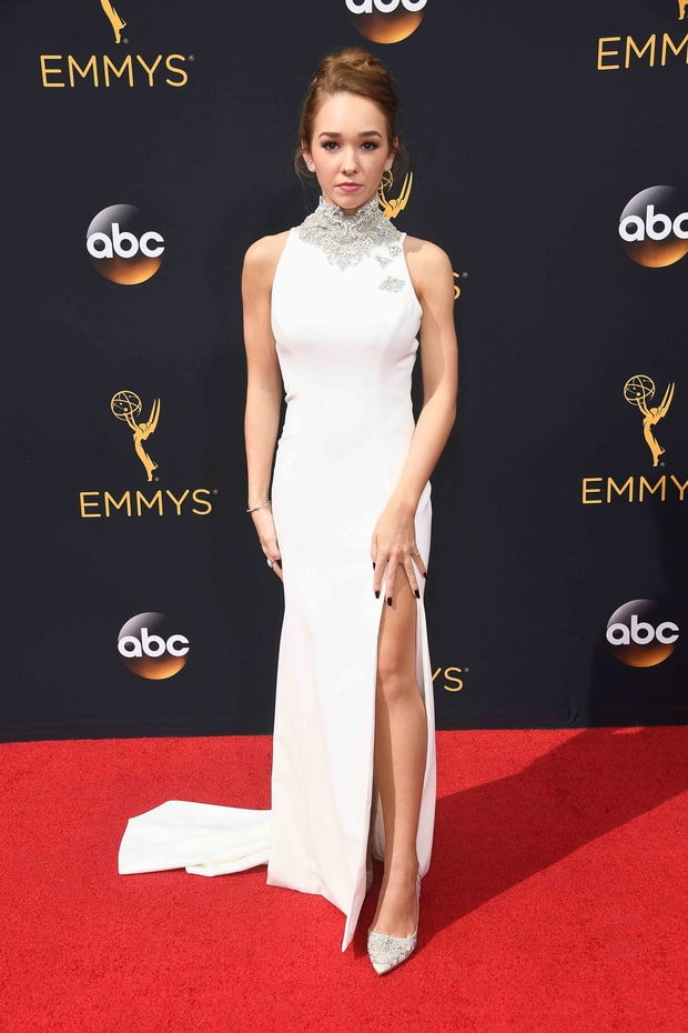 Holly Taylor Emmys 2016 Red Carpet Fashion See What The