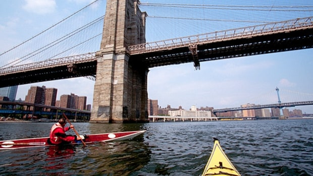 Paddle around Manhattan (New York City)