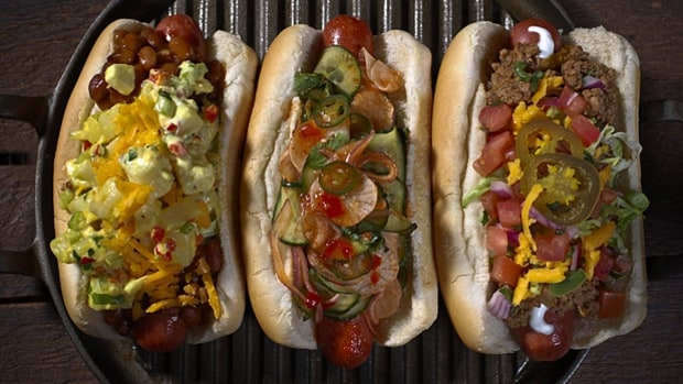 Tailgate Dog (Extreme Loaded Dogs, Dodger Stadium, Los Angeles)