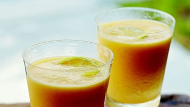 Curtis Stone's Mango-Pineapple Smoothie