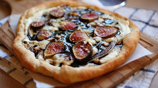 Fig and Stilton Dessert Pizza