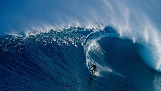 peahi surf meet
