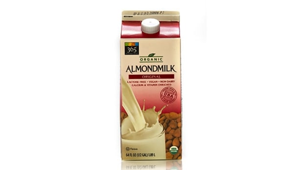 Almond milk (40 calories; 1g protein)