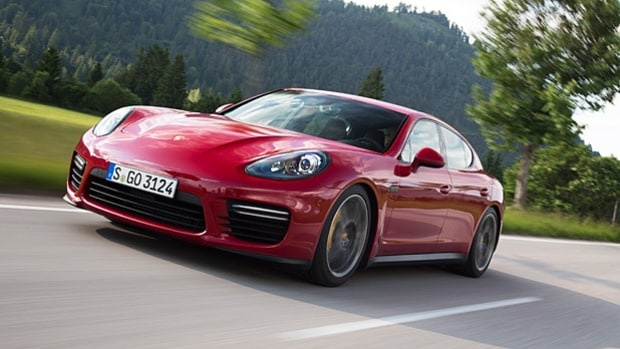 Flogging a Porsche Panamera GTS on the Autobahn